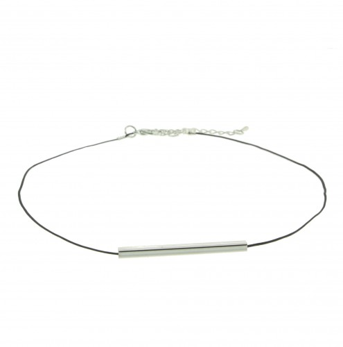Small choker with bar